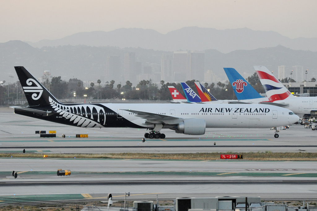 photo credit: ZK-OKS LAX SUNSET via photopin (license)